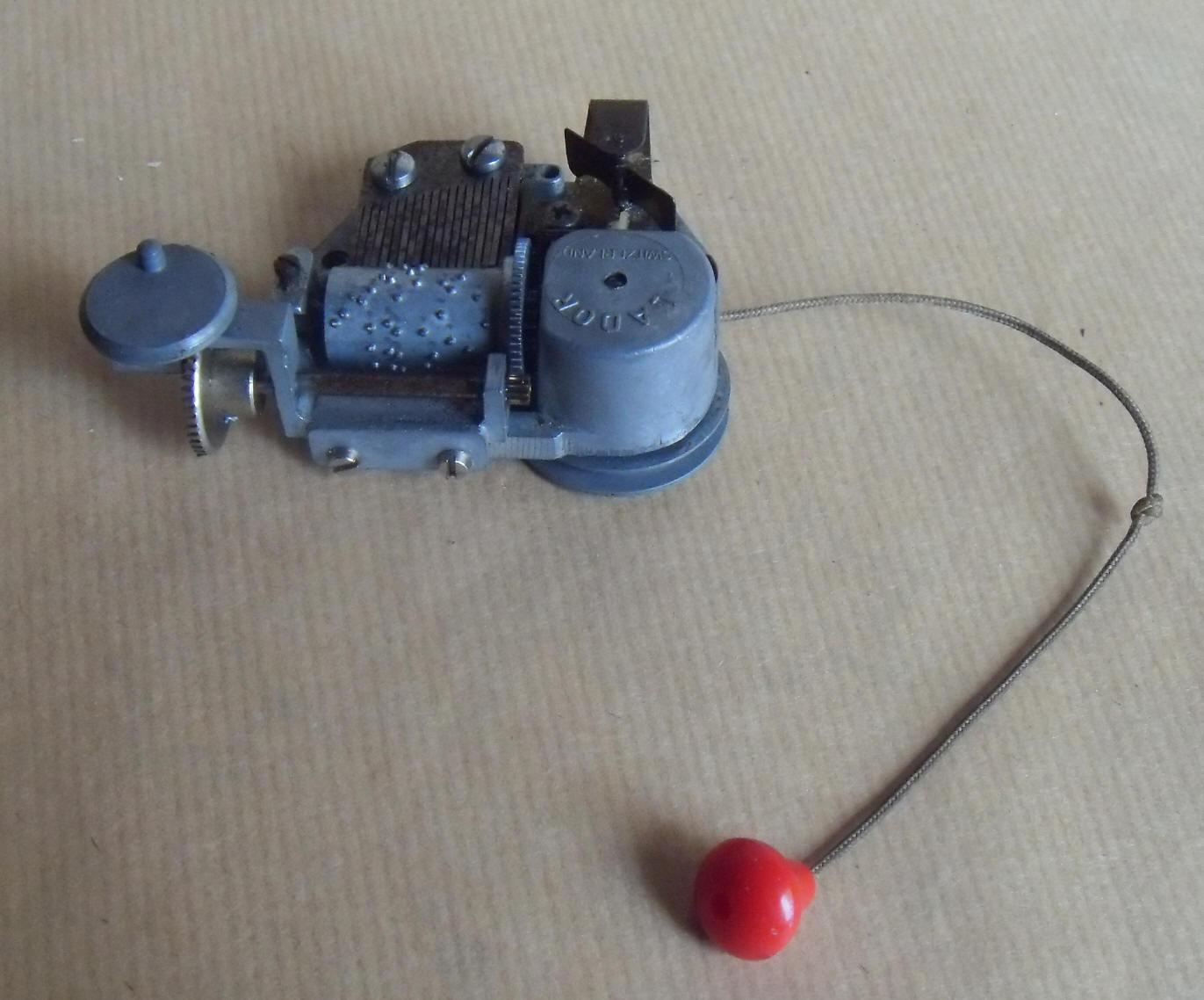 Boite musique mecanique pour jouet avec m canisme automate lador suisse ebay - Point relais luxembourg ...